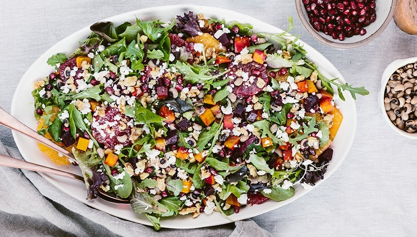 Großer frischer Salat