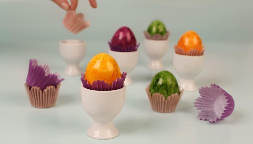 Frühlingshafte Farbtupfer auf dem Frühstückstisch mit Hilfe von Flower Mini Muffins