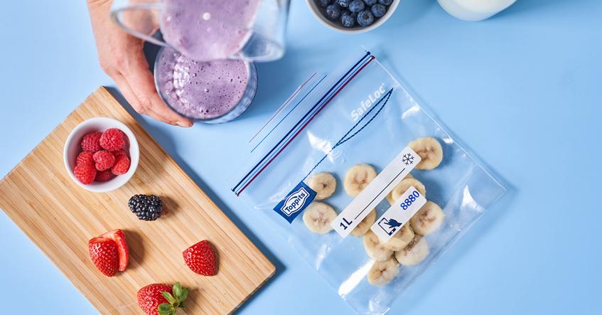 Obst richtig einfrieren und einfach, platzsparend und sicher sortieren mit den SafeLoc®-Gefrierbeuteln von Toppits®.