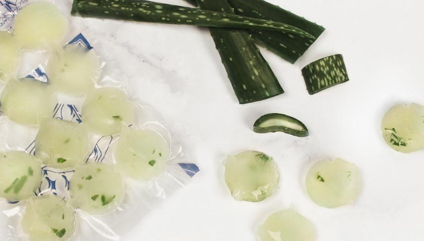 Praktische Aloe Vera-Eiskugeln im Toppits® Eiskugelbeutel, die deinen Sonnenbrand lindern.