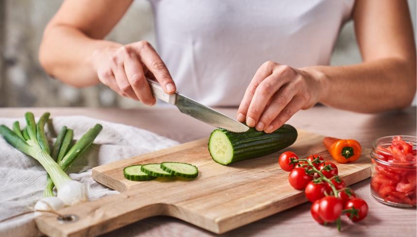 Simples Sommer-Rezept aus Gemüse-Resten: Spanische Gazpacho Suppe